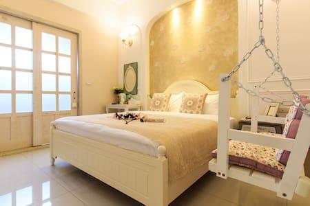 全新完工 朵朵小語-曼陀羅浪漫双人房-加大床