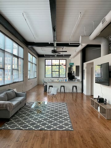 Spacious Downtown Loft