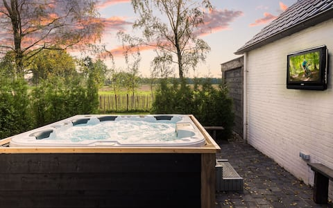De Zandhoef, outdoor living mixed with luxury