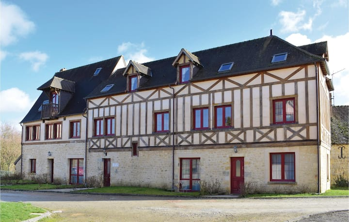 Stunning home in Bellême with WiFi and 3 Bedrooms