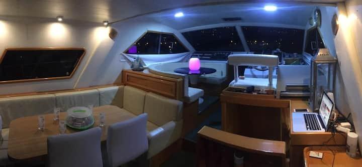 Barca privata in portosole