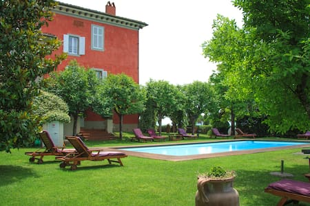 Family Apartment in Villa - Provincia di Arezzo