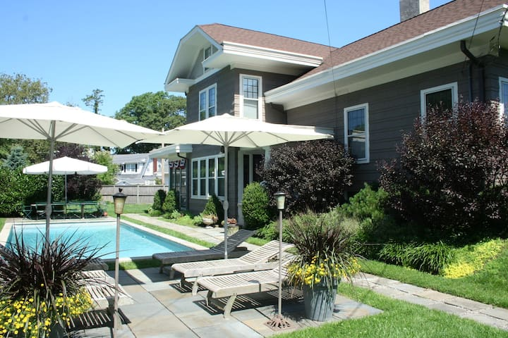 Asbury Beach Bungalow w/5 Beds  Pool