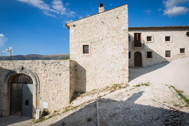 """Wohneinheit in ehemaliger Burg """"IL CASTELLUCCIO"""""""