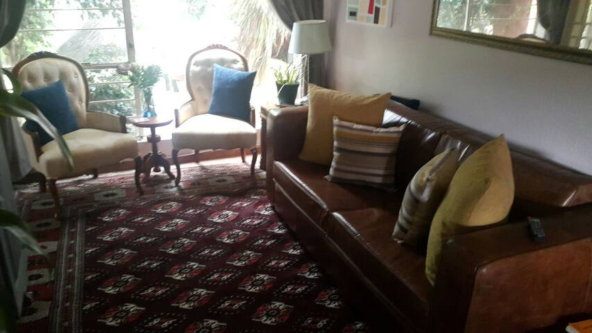 Warm cozy self catering unit - Roodepoort - Apartment