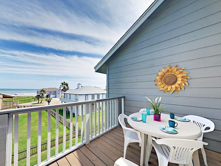 Casa Pelicano with Gulf Views, Near Jamaica Beach