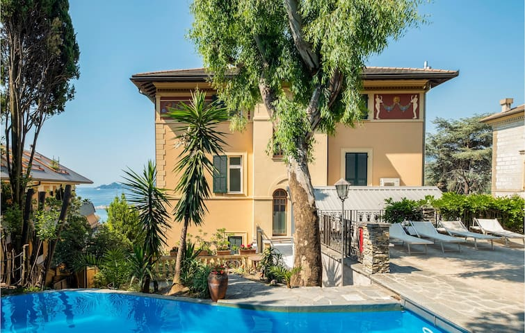 Holiday apartment with 1 bedroom on 44m² in Rapallo GE