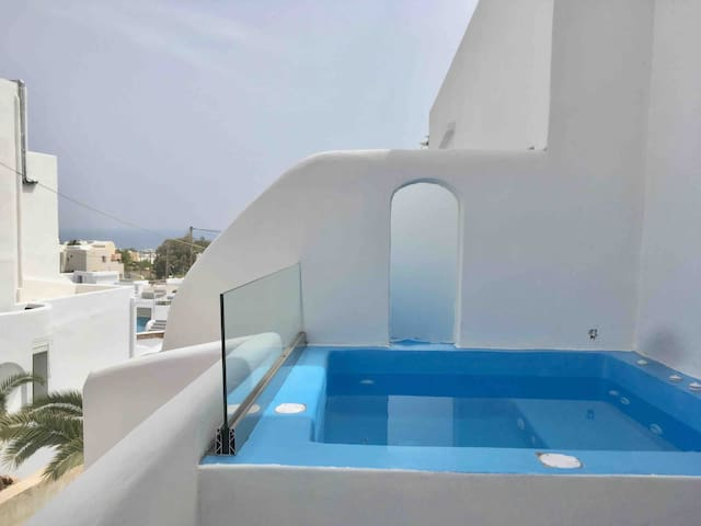 The Muse 7-Suite with Outdoor Jacuzzi _Seaview
