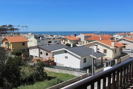 AT beach side with Great Sea Views - Cortegaça