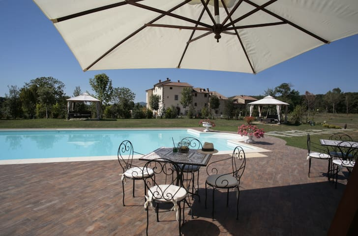 Santamargherita - Glicine, sleeps 3 guests - Capolona