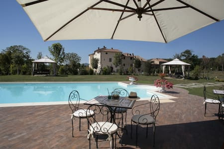 Santamargherita - Glicine, sleeps 3 guests - Capolona - Flat