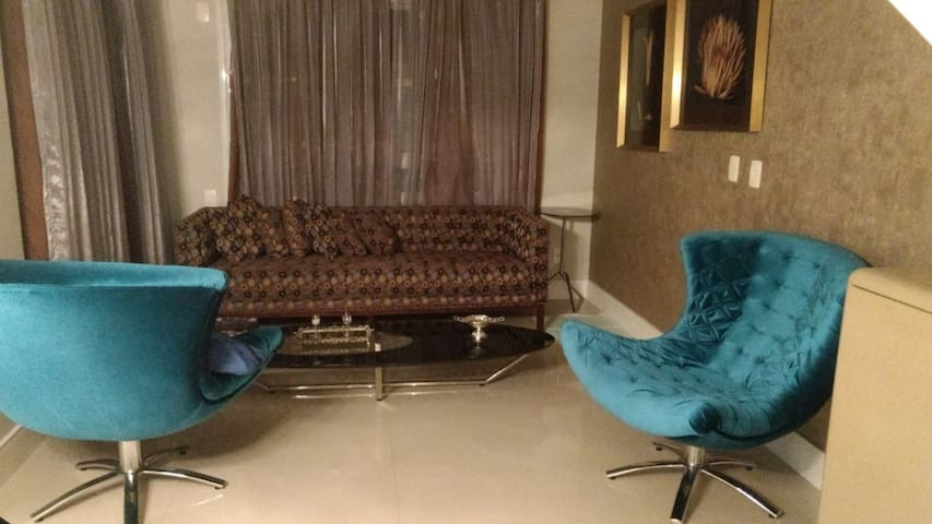 Apartamento Luxo Duplex, 2 dorm, Cambuí