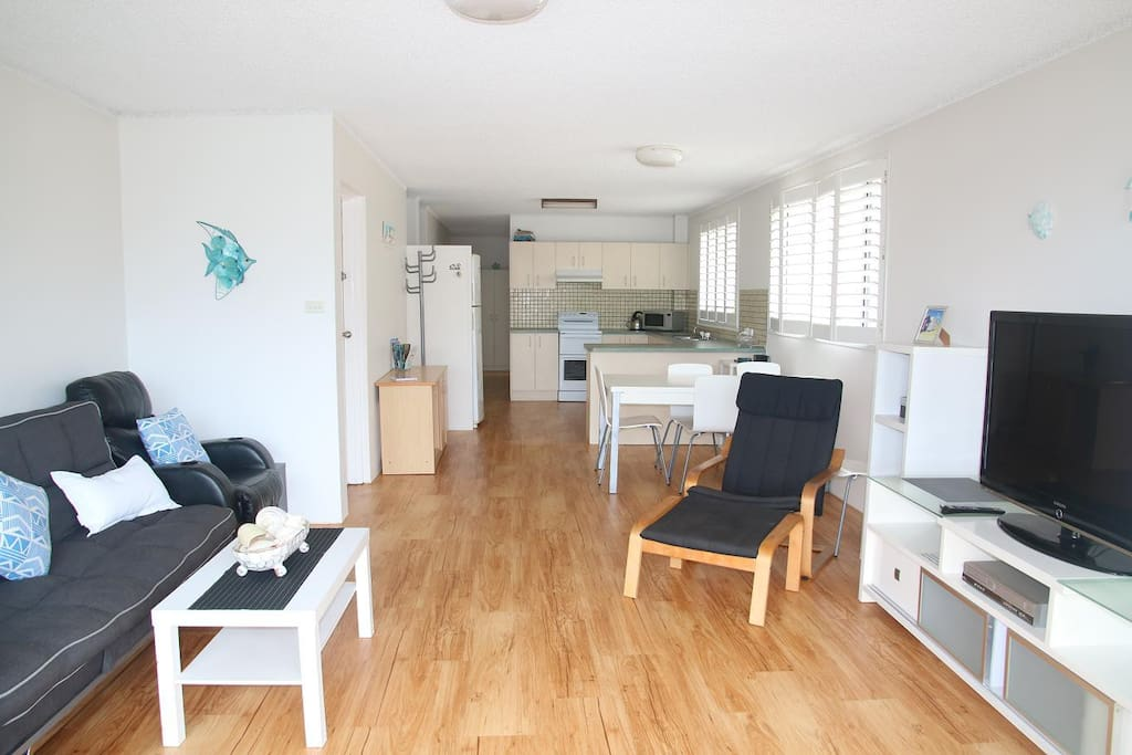 One of the largest apartments on Kings beach @ 132sq