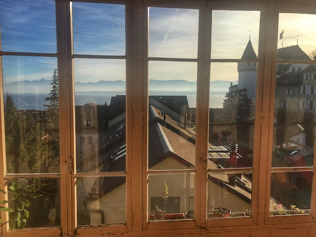 Great view in a flat in center of Nyon - Nyon