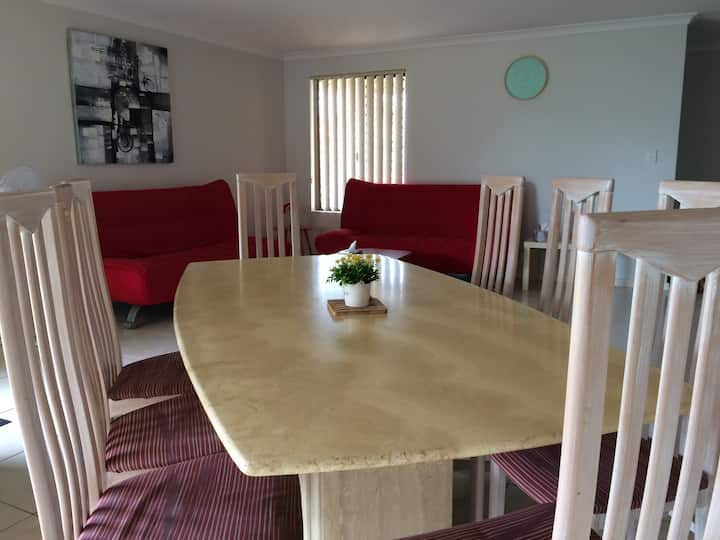 Clean&Comfy houseB in Perth,close to CBD & Airport