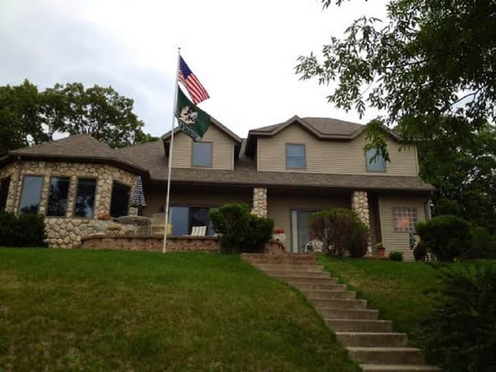 Luxury Pelican Lake Home