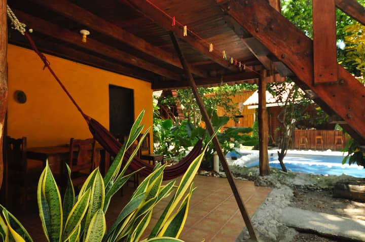 The Howler Monkey Hotel Cabina 2