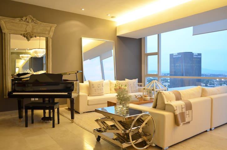 Andares Condo - 2,300 SF - 10th Floor