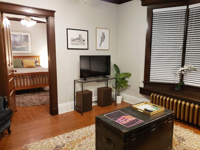 Beautiful Historic Apartment in Downtown Kitchener