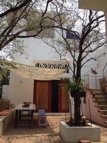 CASA PICUA, Casa de Artistas cerca al mar - Santa Marta - House