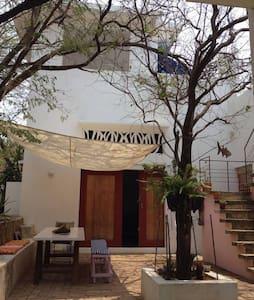 CASA PICUA, Casa de Artistas cerca al mar - Santa Marta (distrito turístico, cultural e histórico) - Casa