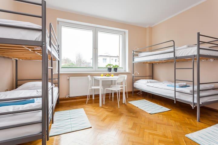 Sea House łóżko w koedukacyjnym pokoju 6-osobowym