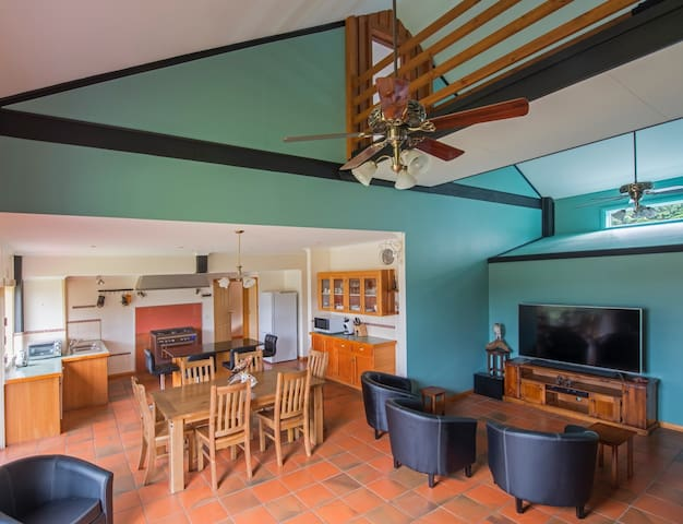 Kitchen-Dining-Lounge Area