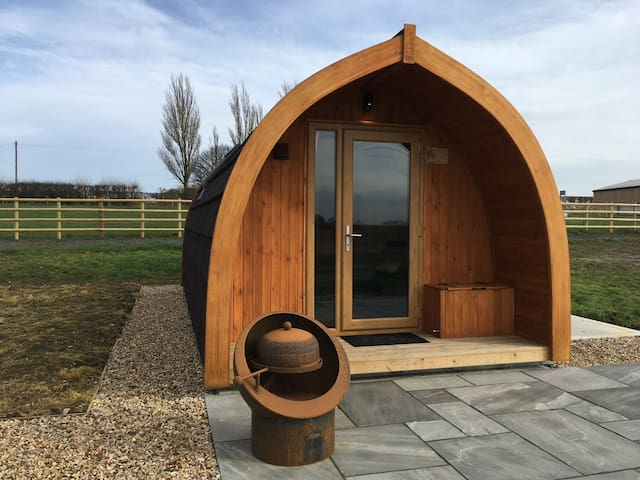 Cosy luxury glamping pod Patricia.