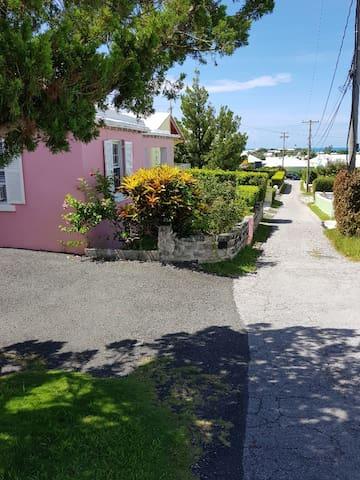 View of neighborhood lane