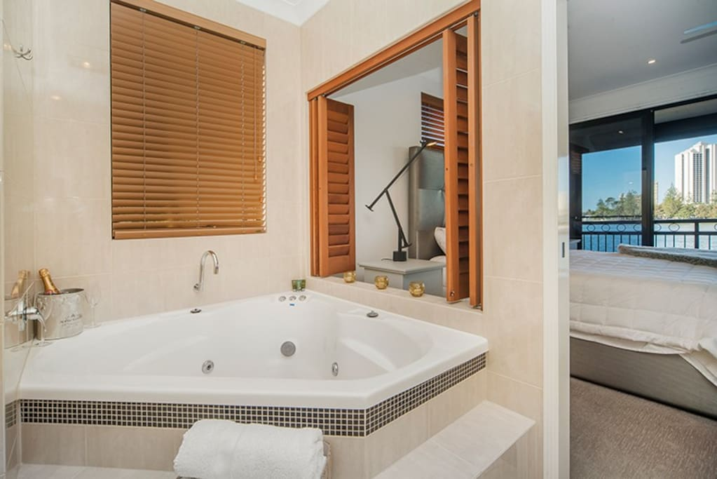 Master ensuite with well appointed spa bath.