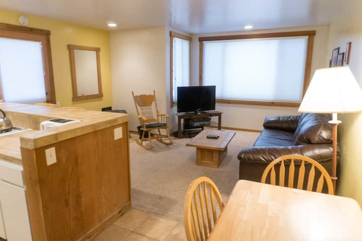 Ski Trails Condo - in the Heart of Northstar