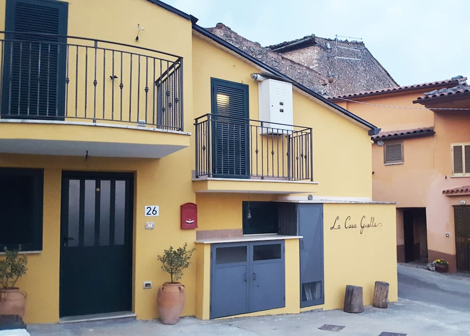 Welcome to La Casa Gialla, the Yellow House!