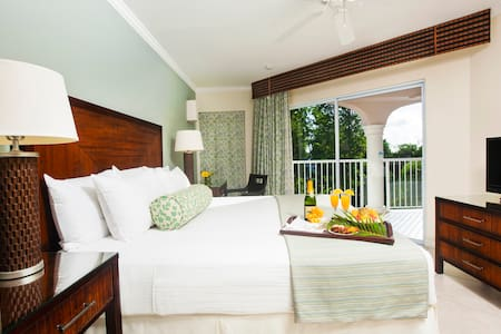 Garden Suite with All Inclusive resort amenities