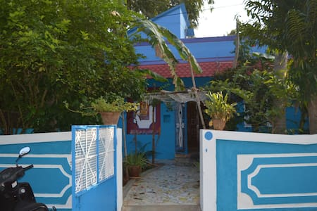 THE BLUE HOUSE - Puducherry - Talo