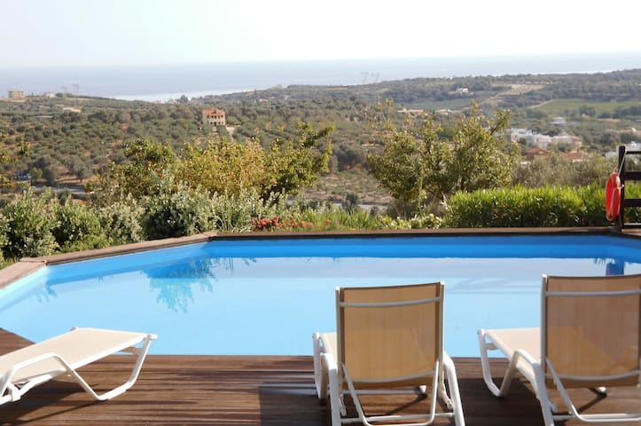 NEAR BEACH AND BREATHTAKING VIEW - Maroulas - House