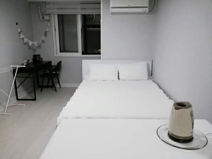 Suyeong room, 해운대, 광안리, 센텀등이 가까운 교통이 좋은 깨끗한 숙소입니다.