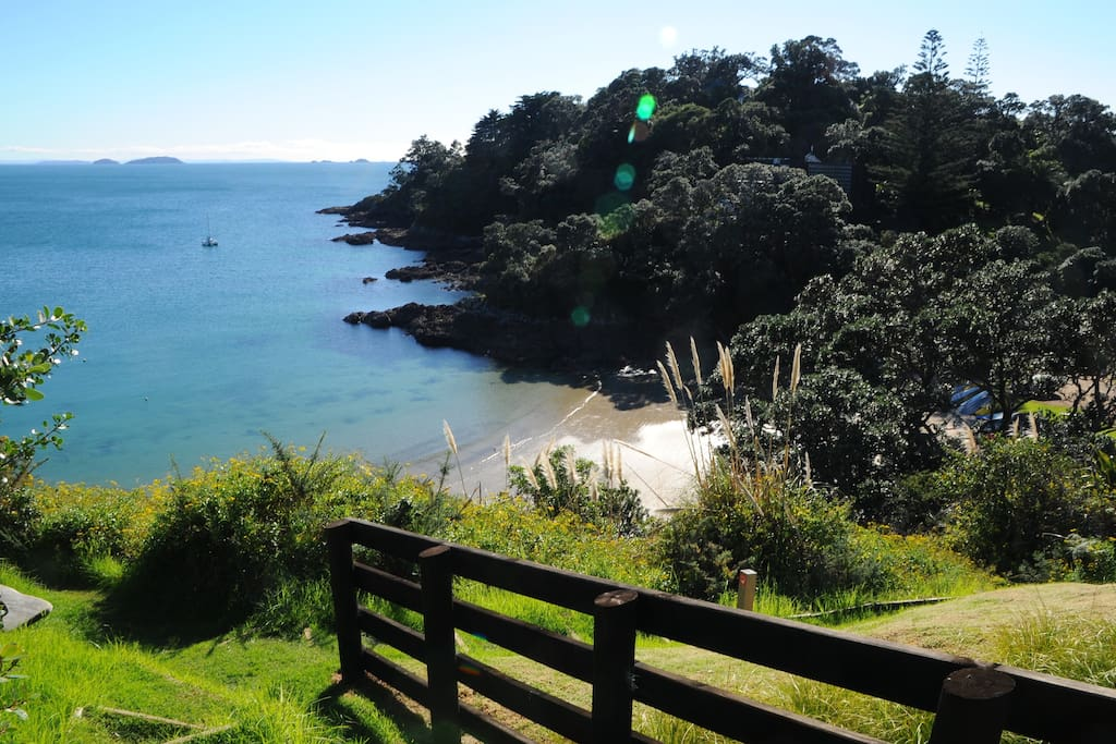 Sandy Bay is a 5 minutes walk away from the house.  This track leads down to the beach from Coromandel Road.