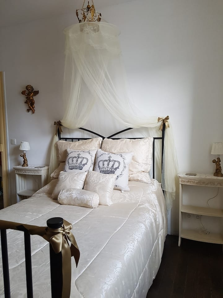 Mountain View Townhouse Quillan 'Blanquette Room'