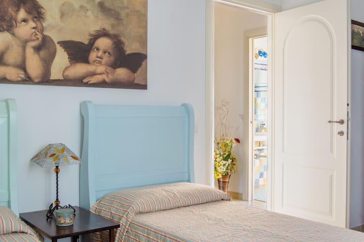 B&B I Colori del Poggio stanza N° 3 - Poggio dei Pini - Bed & Breakfast