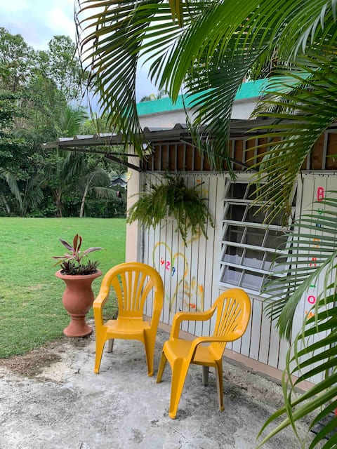 NEWLY RENOVATED GUEST HOUSE/BUNGALOW!
