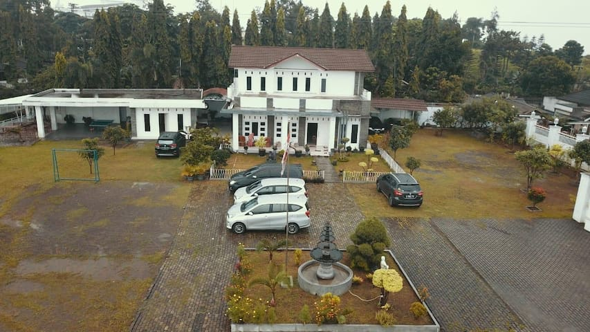 Villa KID House Gunung Geulis Bogor