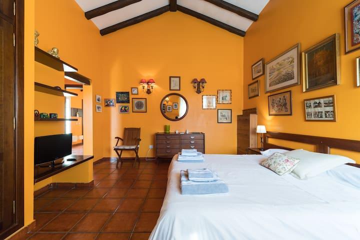 """Villa """"La Alpispa"""" with private pool in Las Palmas - Las palmas de gran canaria - Шале"""