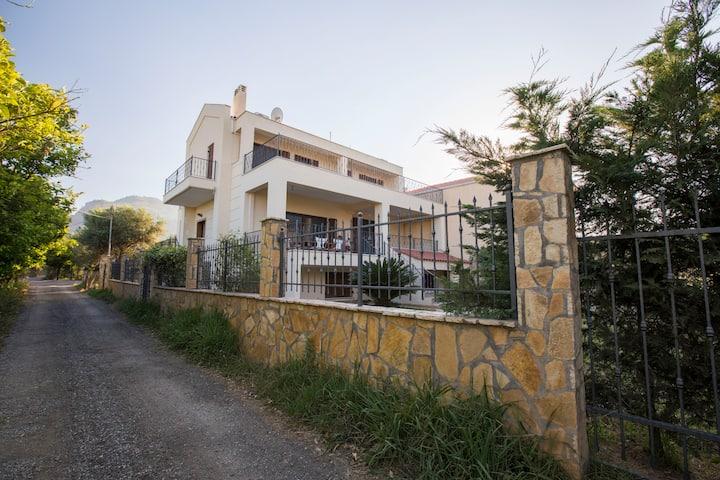 Diakopto luxury Villa