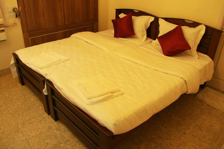 The Colours inn  Suite Room -Near Shankar hospital