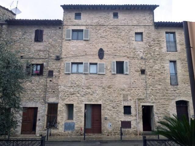 PALAZZO 14 Castello di Cambio Palazzo di Assisi