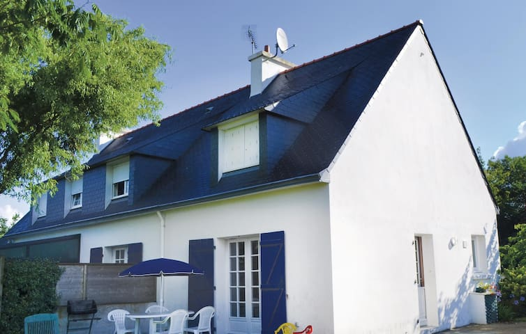 Semi-Detached with 2 bedrooms on 65 m² in Pleuven