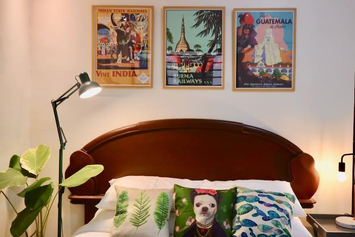 Tropical Chic Bedroom near Maginhawa/Malingap