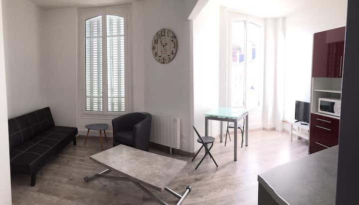 Beau studio meublé - cœur de ville