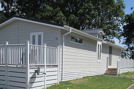 2 Bedroom Deluxe Lodge at Woodlands Park - Hastings