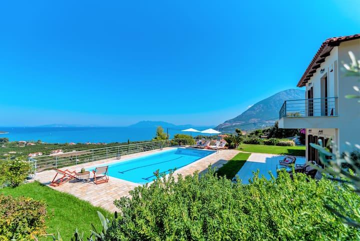 Sunshine Villa, private pool and amazing view